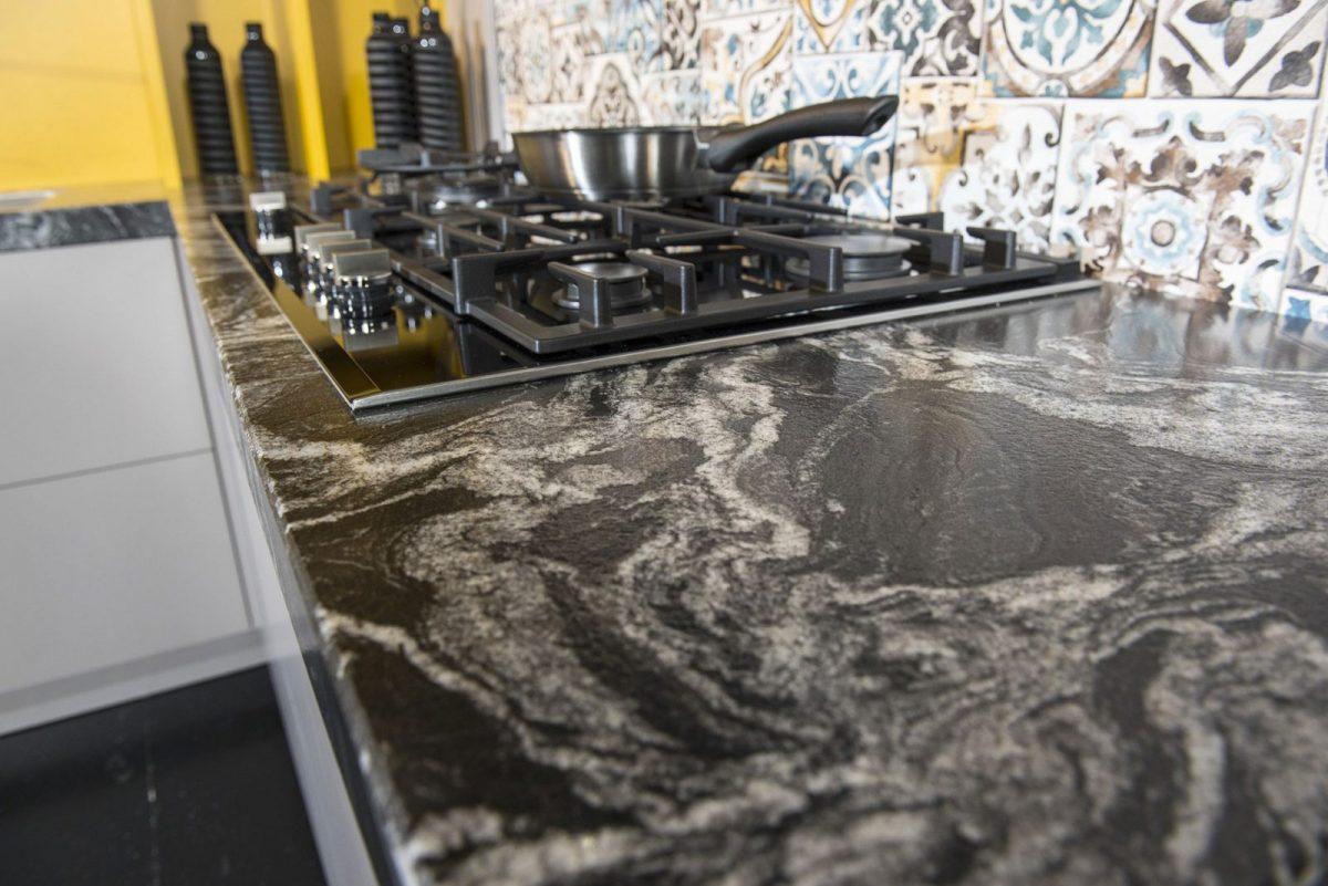 Details Dutch Design keuken - detail keukenblad en kookplaat
